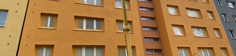 Ukázka realizace - Nátěr fasády bytového domu v Novém Jičíně