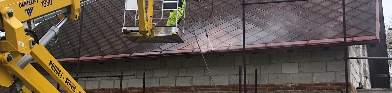Ukázka realizace - Čištění střechy v Kraslicích