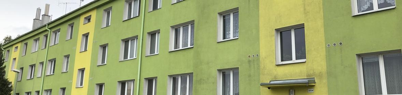 Ukázka realizace - Mytí fasády panelového domu Olomouc