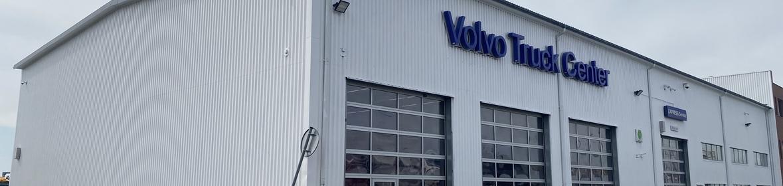Ukázka realizace - Mytí a nátěr haly Volvo Trucks v Praze