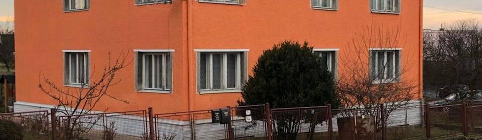 Ukázka realizace - Mytí a nátěr fasády v Hlučíně