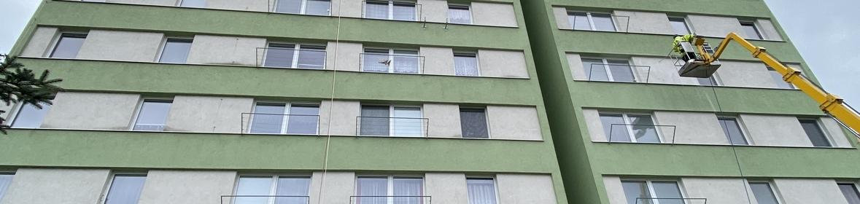 Ukázka realizace - Mytí fasády bytového domu ve Strakonicích