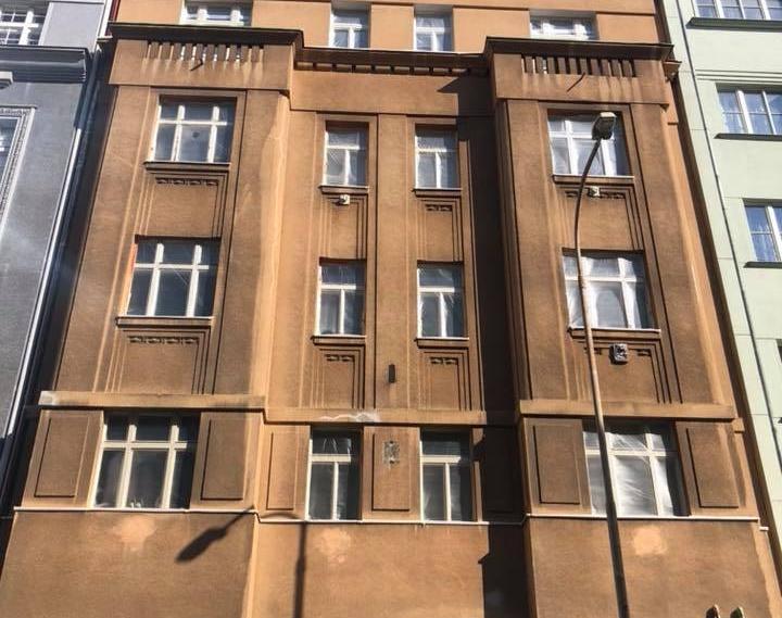 Ukázka realizace - Nátěr fasády bytového domu v Praze